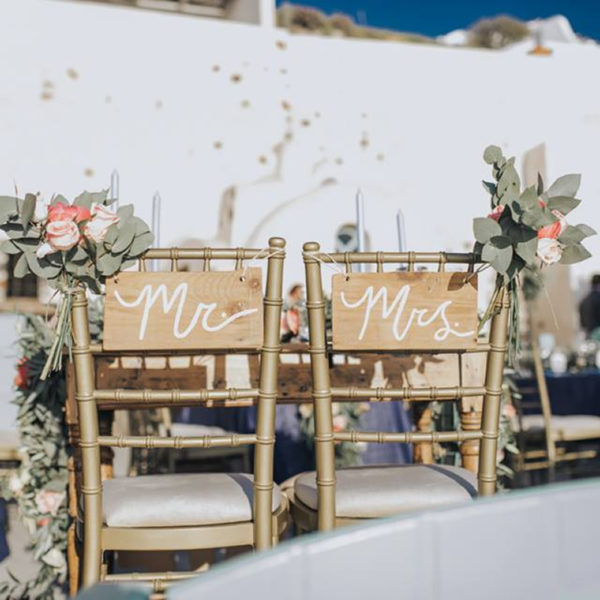 Fully personal and customised range of table plans and wedding signs